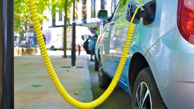 Mit dem Anodenmaterial von 3M soll die Leistungsfähigkeit von Li-Ion-Batterien für E-Autos um bis zu40 Prozent erhöht werden.