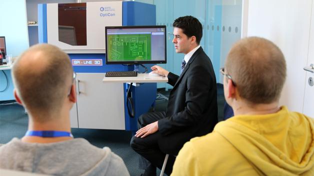 Bei den Workshops wurde auch die Inspektion von Lot- und Sinterpasten am SPI-Line-3D präsentiert.