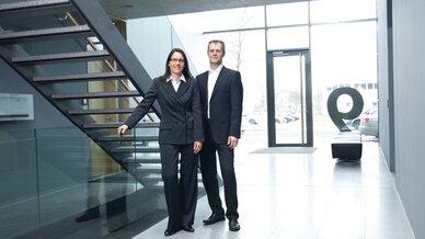 """Das Geschäftsführer-Team bei Datac Kommunikationssysteme, Sabine Erlebach und Matthias Stender, stellen UCC-Lösungen mit Office-365 und Skype-for-Business auf dem """"funkschau congress Unified Communications"""" vor."""