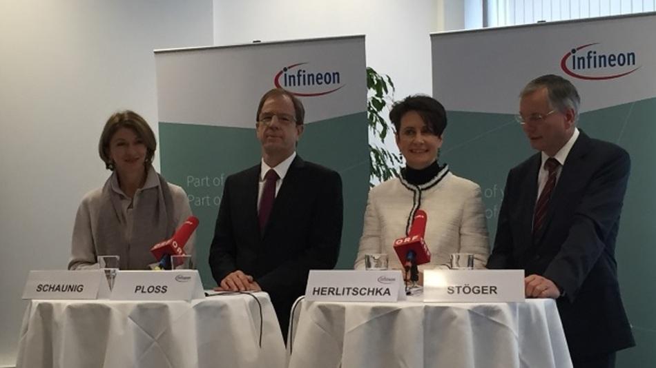 Zusammen mit dem österreichen Minister Stöger stellte Infineons CEO Dr. Reinhard Ploss den neuen Pilotraum Industrie 4.0. in Villach vor.