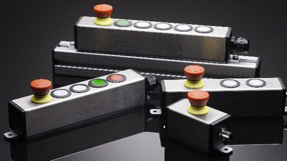 Für den Einsatz an Profilschienen hat Schlegel die V2A-Edelstahlprofilgehäuse mit bis zu sechs Befehlsstellen entwickelt.