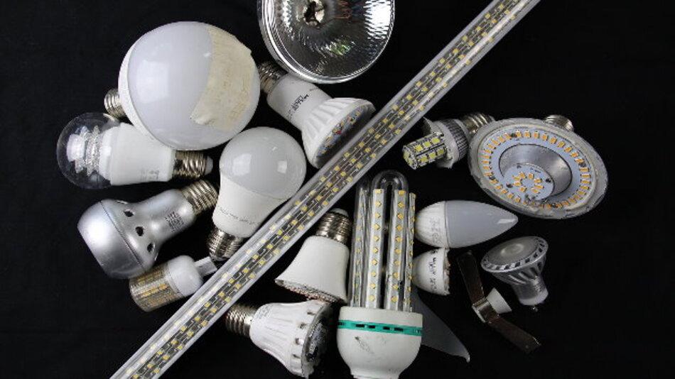 Um LED-basierte Leuchtmittel wirtschaftlich zu recyceln, ist es nötig, sie zunächst in ihre Einzelteile aufzutrennen. Für das Recycling der LEDs selbst ist es wichtig, diese möglichst unzerstört zu sammeln.