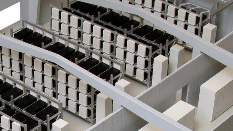 Als stationäre Stromspeicher bekommen gebrauchte Batterien aus Elektro-Smarts eine neue Aufgabe.