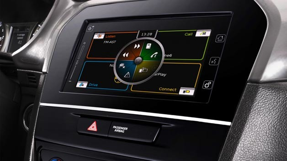 Das Multimediasystem von Bosch bietet in Suzuki-Fahrzeuge einen ständigen Kontakt zur Außenwelt. Zur Verbindungsfähigkeit gehören zum Beispiel die Smartphone-Integration via Mirror Link und Apple CarPlay, eine leistungsfähige Kartennavigation sowie Sprachbedienung und eine Bluetooth-Freisprechanlage.