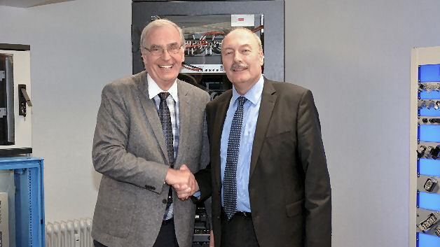 Dieter Schink, Geschäftsführer der May KG (links) und Thomas Kupzog, Director Sales Germany bei der Pentair Technical Solutions GmbH (rechts)