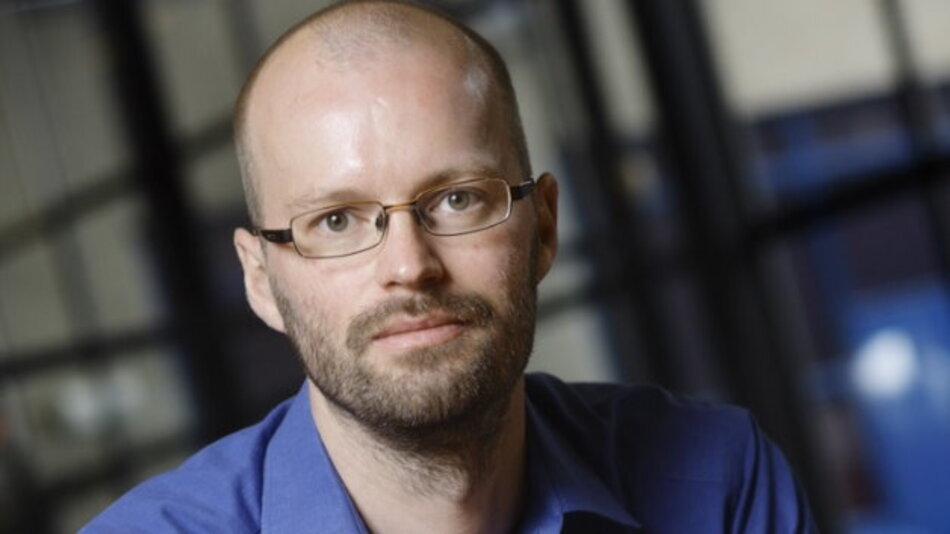 Das Ziel von Dr.-Ing Sander Wahls ist die Verbesserung der Übertragungsqualität in optischen Fasern. Helfen soll die nichtlineare Fouriertransformation, für die der Preisträger einen effektiven Algorithmus zur Berechnung vorstellt.