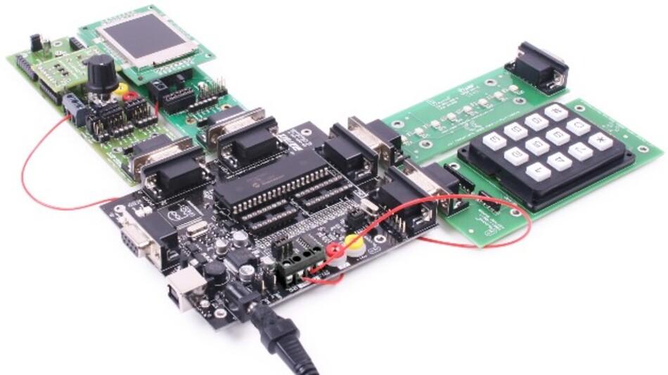 Mit Matrix' E-Blocks-Hardwaremodulen und der Entwicklungsumgebung Flowcode 6 (Vertrieb: RS) können Anwender elektronische Systeme schnell und einfach aufbauen.