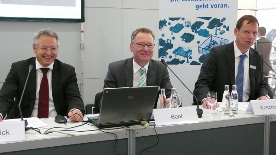 Mit der Umsatzentwicklung der Automatisierungsbranche zufrieden: Jürgen Amedick, Roland Bent und Gunther Koschnick vom ZVEI-Fachverband Automation