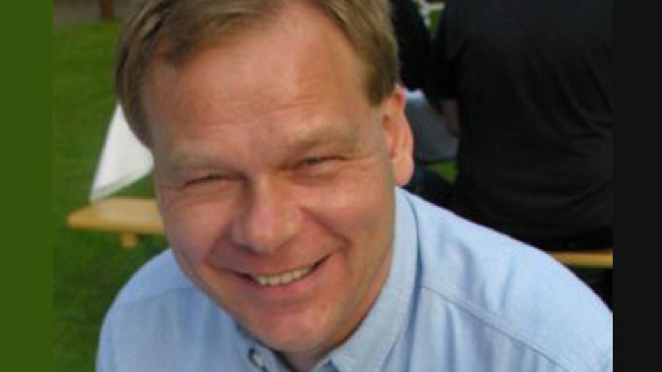 »Die Elektrodynamik muss radikal vereinfacht werden«, fordert Prof. Dr. Martin Poppe von der FH Münster.
