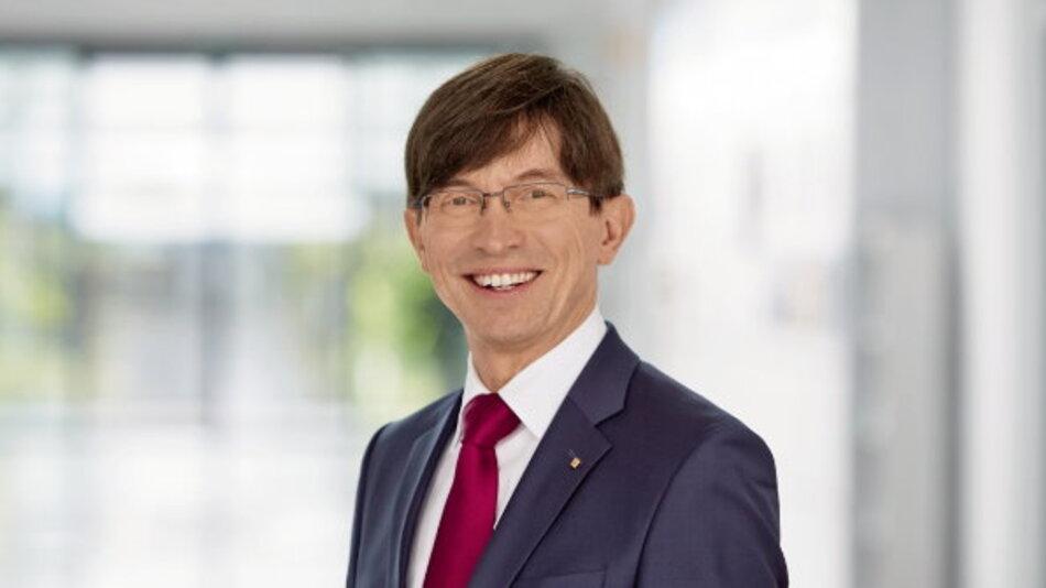 Prof. Dr. Gunther Olesch, Geschäftsführer bei Phoenix Contact.