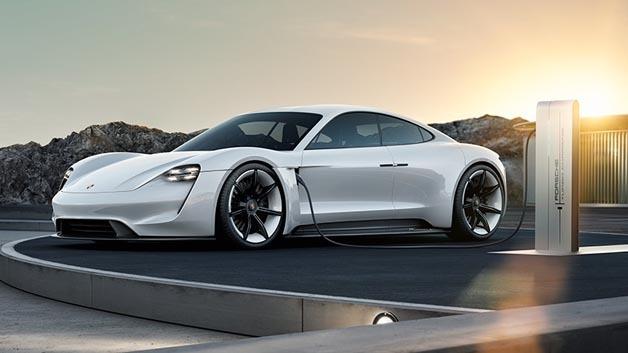Porsche will seine Studie Mission E Ende dieses Jahrzehnts auf die Straße bringen.