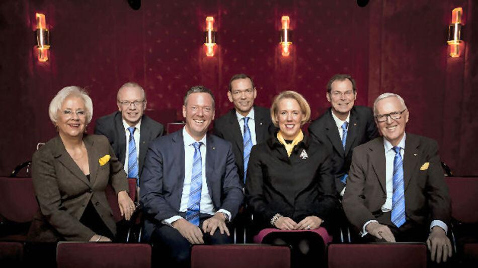 Der Vorstand der Harting Technologiegruppe: Margrit Harting, Dr. Michael Pütz, Philip Harting, Andreas Conrad, Maresa Harting-Hertz, Dr. Frank Brode und Dietmar Harting (von links nach rechts).
