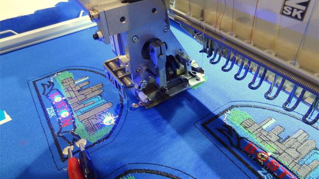 Um beispielsweise Wärme direkt in der Bekleidung zu erzeugen, sollen leitfähige Strukturen künftig unmittelbar auf das Textil gedruckt werden.