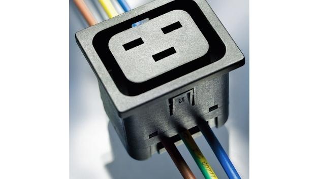 IEC Geräteeinbausteckdose