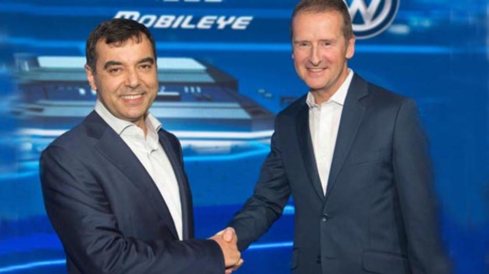 Volkswagen will eine strategische Partnerschaft mit Mobileye eingehen. Dazu haben beide Unternehmen auf der CES eine entsprechende Absichtserklärung unterzeichnet.