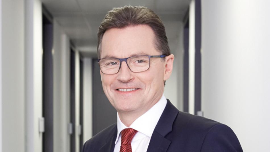Dieter Meuser, itac  »Die Einführung moderner plattformunabhängiger Kommunikationstechnologien  ist der Schlüssel zur Smart Factory. Das beweist die OPC-UA-basierte Integration eines Linearmotors  in die MES-Welt.«
