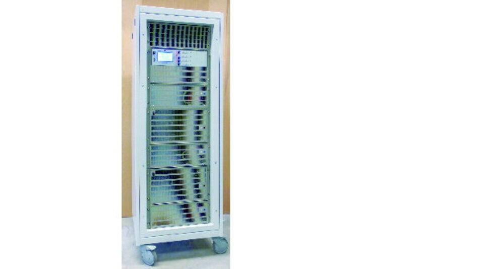 Die Geräte von ET System electronic in einem Rack von Hager