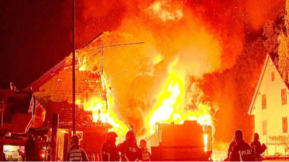 Kleine Ursache – große Wirkung: Den Großbrand in Stockborn löste ein LiPo-Akku aus.