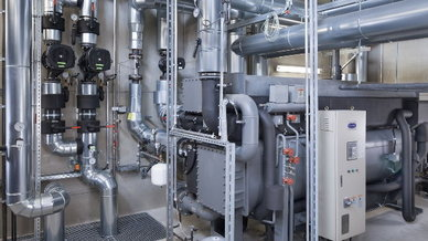 Gammel Engineering entwickelte und plante für das OSRAM-Werk ein  Blockheizkraftwerks-Modul mit 2.000 kWel und 2.000 kWth sowie eine Absorptionskältemaschine mit 738 kW.