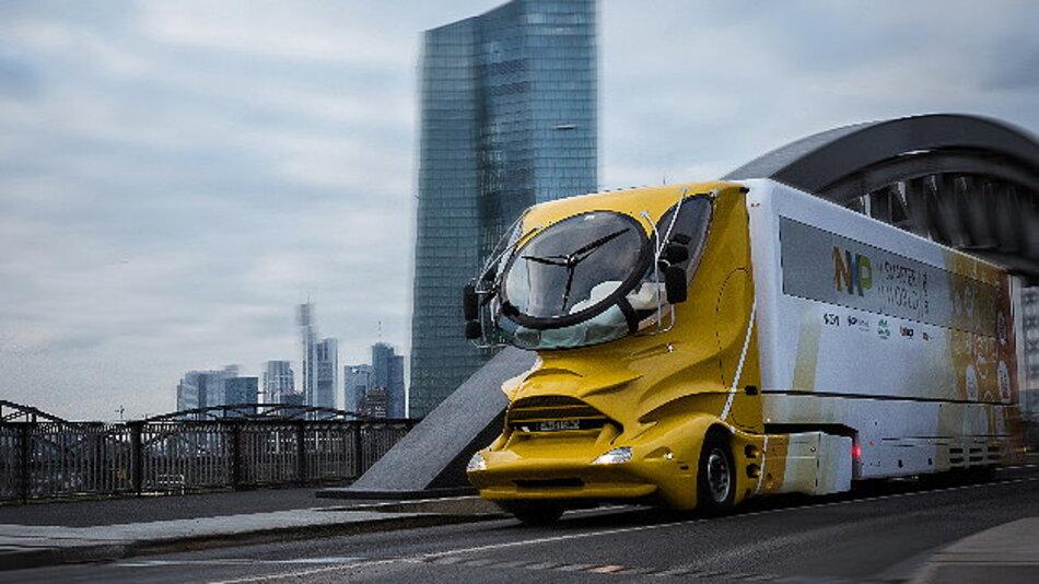 Ob der Colani-Truck schön ist oder nicht, muss jeder für sich entscheiden, er fällt aber auf alle Fälle auf.