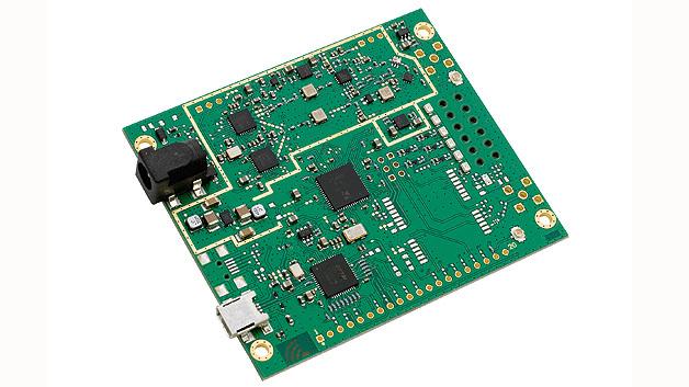 Bild 1. Mit dem Konzentratormodul iC880A lassen sich die zentralen Knoten und Gateways für LoRa-Funknetze realisieren. Das Modul unterstützt auch die im ISM-Band genutzte GFSK- Modulation.