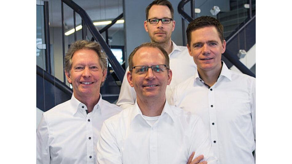 Die nächste Generation der Familie Ihlemann führt das Unternehmen: Martin (Vorstandsvorsitz, rechts im Bild), Michael (Prokurist, Bildmitte) und Oliver (Logistik, oben) mit Bernd Richter (Vorstand, links im Bild).