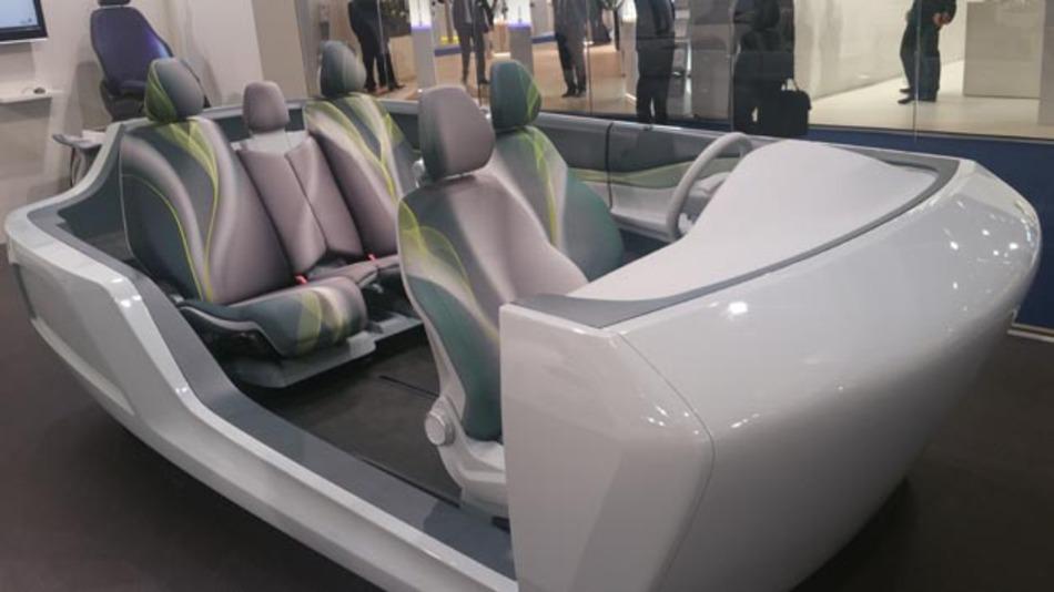Automobilzulieferer Johnson Controls stellt beispielsweise Fahrzeug-Sitzsystem her. Jüngster Entwurf ist der zur IAA vorgestellte SD15. Nun will das Unternehmen mit Tyco International fusionieren.