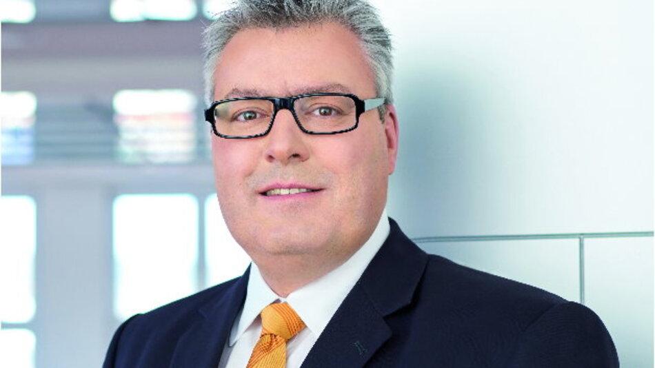Michael Mertin, Jenoptik: »Unser Ausblick für 2016 ist trotz der weltweit unsicheren Rahmenbedingungen verhalten positiv.«