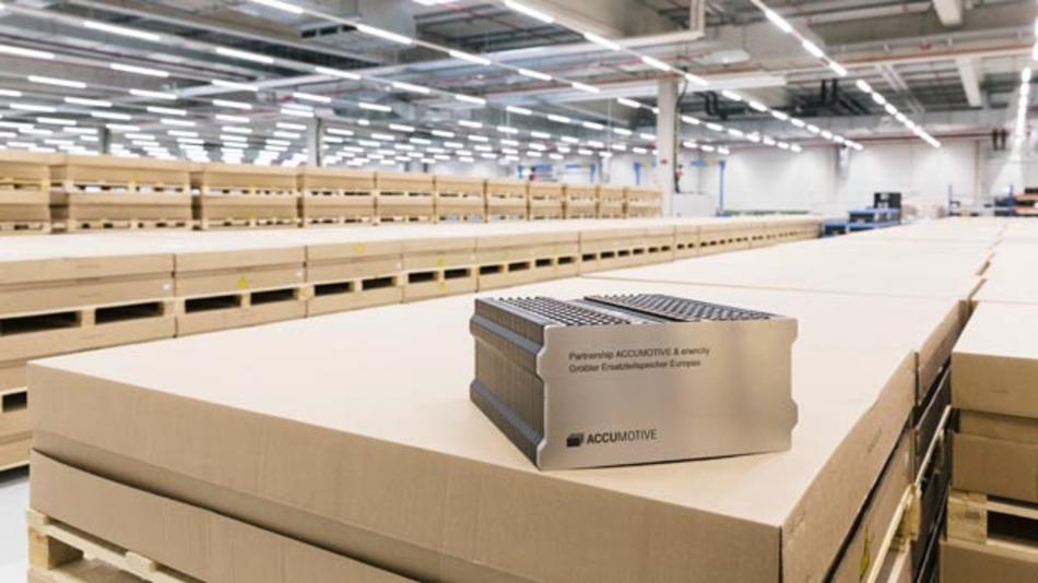 Daimler und Enercity beginnen dieses Jahr mit dem Bau eines 15 MW-Batteriespeichers aus 3.000 Batteriemodulen.