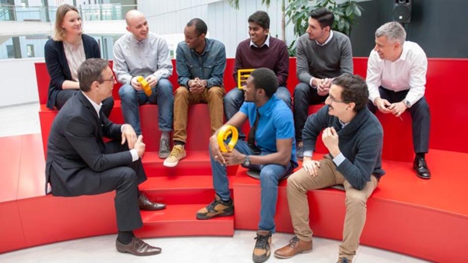 Um gemeinsam mit Studenten und Wissenschaftlern die Zukunft der Mobilität gestalten, hat Continental eine die Trend Antenna in Frankfurt eröffnet.