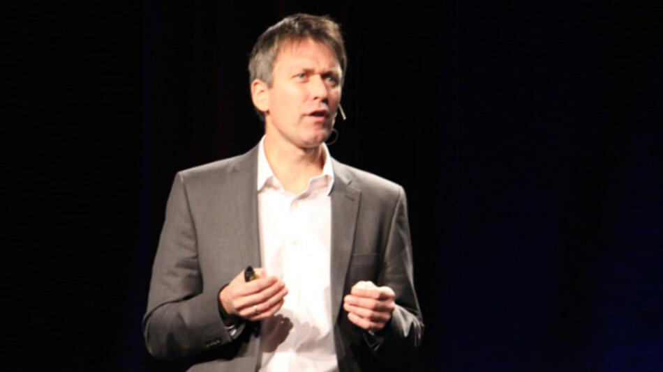 Lars Reger, CTO Automotive bei NXP Semiconductors: »Jedes Jahr sterben 1,3 Mio. Menschen im Straßenverkehr, mehr als 50 Mio. Personen werden ernsthaft verletzt und mehr als 90% dieser Unfälle sind auf menschliches Versagen zurückzuführen.«