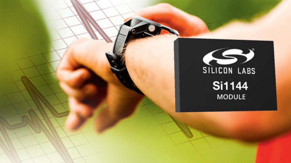 Bild 1. Das Sensor-Modul Si1144 von Silicon Labs enthält zur optischen Sensorik auch einen Mikrocontroller für die Signalverarbeitung, um den Entwicklungsaufwand für Wearables mit integrierter Pulsmessung deutlich zu reduzieren.