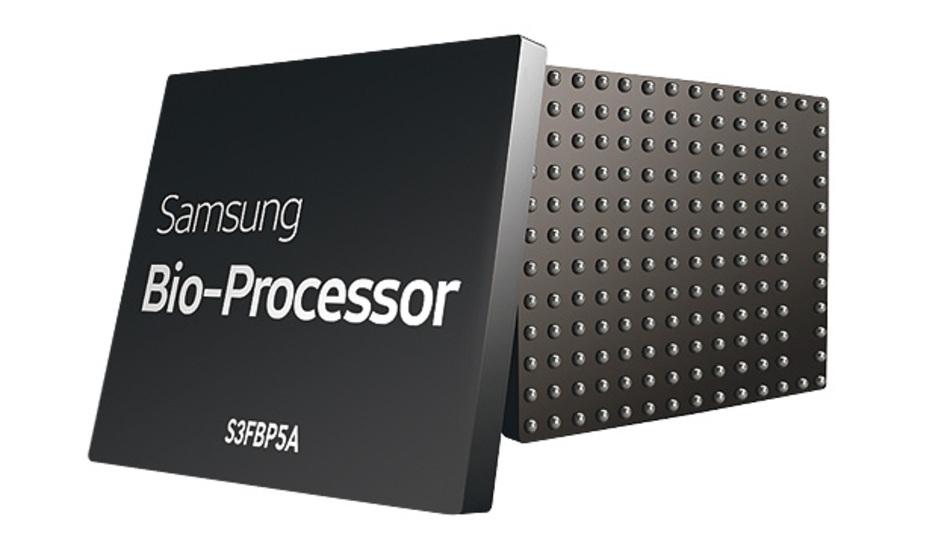 Bild 2. Der Bio-Prozessor von Samsung wertet die Messwerte von bis zu fünf analogen Sensoren für biologische Daten aus.
