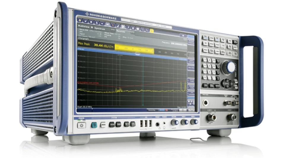 Der EMV-Messempfänger R&S ESW eignet sich für sowohl für leitungsgebundene  als auch für gestrahlte Abnahmemessungen an Modulen, Bauteilen und Geräten  sowie an Systemen und technischen Einrichtungen im A&D- und Automobilsegment.