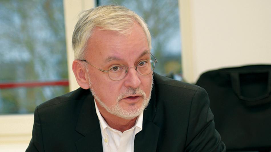 Jens Drews, GlobalFoundries  »Alle 10 bis 20 Jahre  verändert sich die Geographie  in der Mikroelektronik.  Wir müssen in Europa  sicherstellen, dass wir nicht  unter die Räder kommen.«