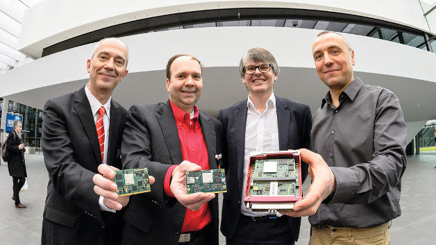 Dr. Harald Schmidts of Lippert Adlink, Jens Plachetka of MSC, Christian Eder (SGET specification editor) und Lars Helbig, Solectrix joined yesterday to show their SMARC 2.0 prototypes.