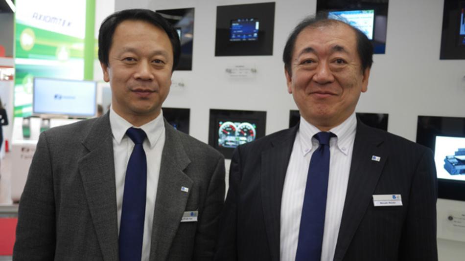 Die Tianma-NLT-Manager Peng Cui (li.) und Hiroaki Shindo wollen den Umsatz mit Kfz-Displays Jahr für Jahr verdoppeln.