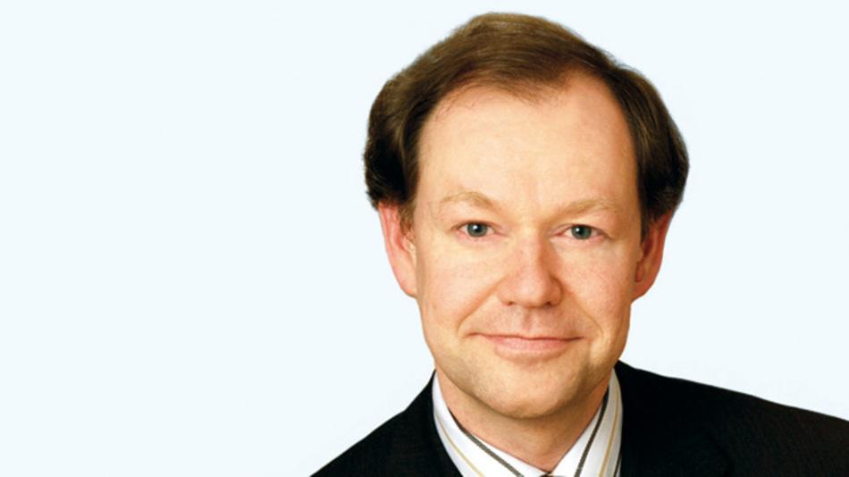 Dirk Schneider, AEG Power Solutions  »Unser kompaktes und  effizientes PRS-System ist als  echte Plug&Play-Lösung einzigartig in diesem Segment.«