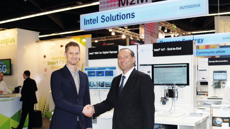 Simon Wilyman, Channels & Platforms Director für Intel EMEA (links), und Markus Krieg (rechts), Geschäftsführer Marketing bei Rutronik.