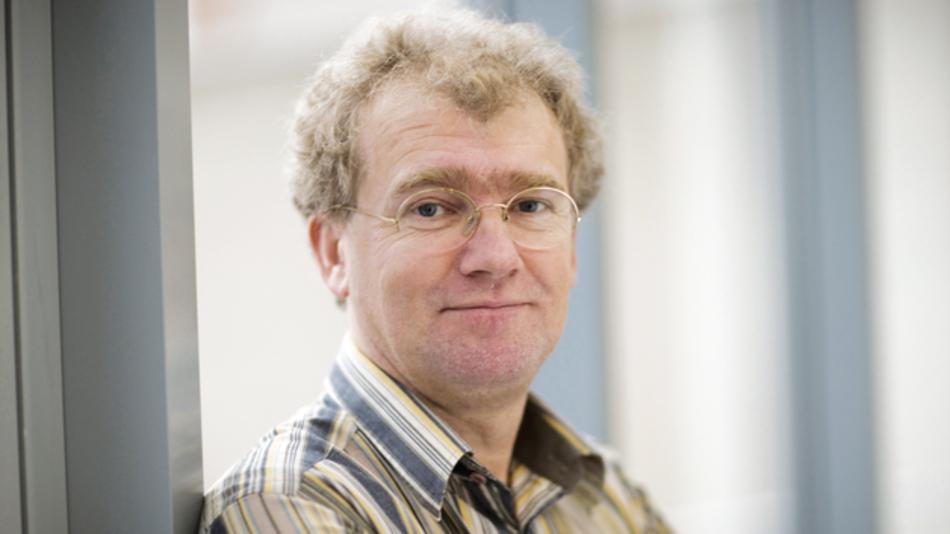 Jan Van Houdt, IMEC  »Als erstes dürfte  der Paradigmenwechsel von der planaren auf die 3D-Technologie eintreten, und erst dann der  Übergang von Ladungsbasierenden auf Widerstands-basierende Speicher.«