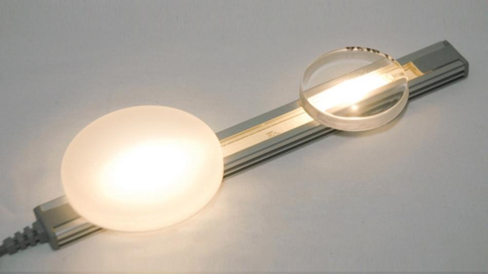 Gießharze werden für anspruchsvolle Umgebungen verwendet,  wie bei Eintauchen in Wasser oder wenn Lichtstreuung  und Umgebungsschutz in einem Schritt notwendig sind;  Electrolube UR5635 ist ein Beispiel  für so ein Harz.