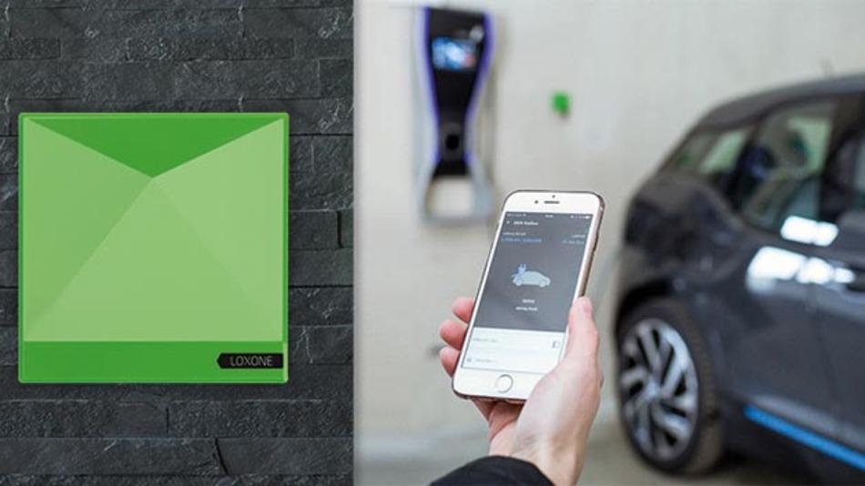 Eine Voraussetzung für den Durchbruch der Elektromobilität: ein wachsendes Strom-Tankstellennetz. Loxone und BMW i haben mit der Sonnen-Tankstelle »E-Mobility Starter Kit« eine Lösung parat.