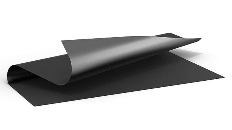 Bild 1. Das Pyrolytic Graphite Sheet (PGS) von Panasonic ist leicht, flexibel und sehr leitfähig.