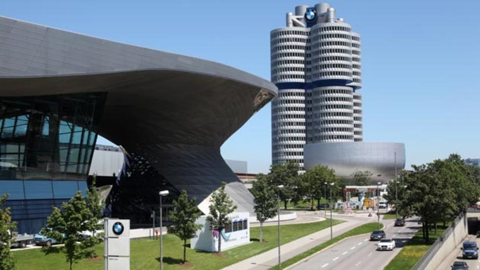 München rangiert auf Platz 4 der verkehrsreichsten Städte. Hier steht ein Fahrer durchschnittlich 53 Stunden im Stau.