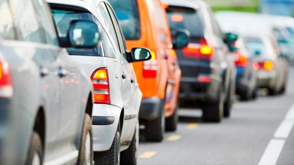 Deutschland rangiert 2015 auf Platz drei der verkehrsreichsten Länder Europas, Fahrer stehen hierzulande 38 Stunden im Stau.