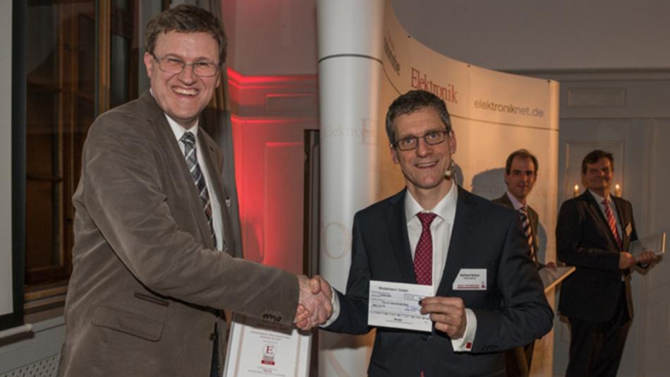 Für seinen Artikel »Umrichter für die Hochspannungs-Gleichstrom-Übertragung: Technologische Herausforderungen« wurde Prof. Dr. Hans-Günter Eckel prämiert.