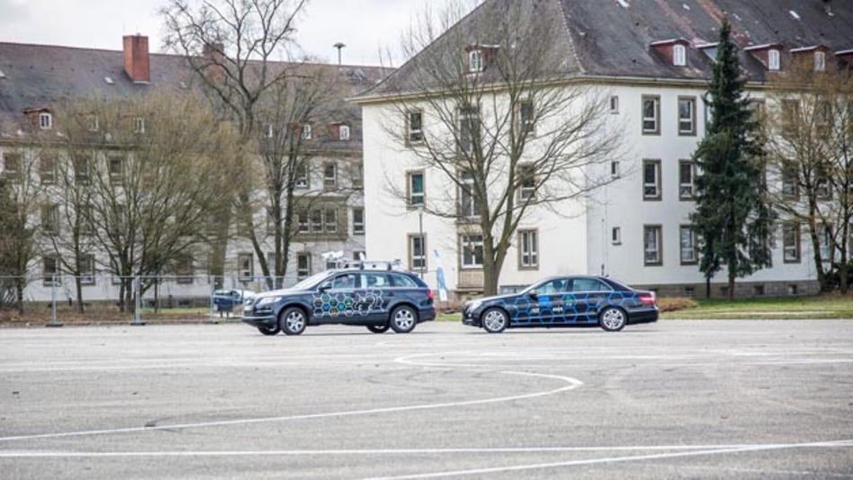 Im Projekt Profilregion Mobilität Karlsruhe wird beispielsweise ein selbstfahrendes Auto mit den dazugehörigen IT-Services aufgebaut und fortbewegt.