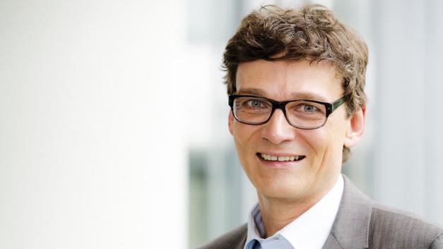 Alexander Lautz, Telekom  »Die gute Planbarkeit,  die umfangreichen Security- Maßnahmen und die hohe  Betriebssicherheit sind die großen Vorteile von NB-IoT auf Basis  lizenzierter Spektren.«