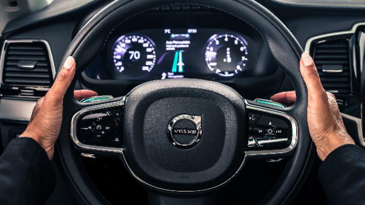 Der IntelliSafe Auto Pilot von Volvo