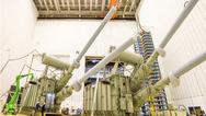 HGÜ-Transformatoren sind die Königsklasse im Transformatorenbau. Die GleichstromÜbertragungs- Technik ermöglicht den Transport von großen Energiemengen über weite Strecken hinweg.